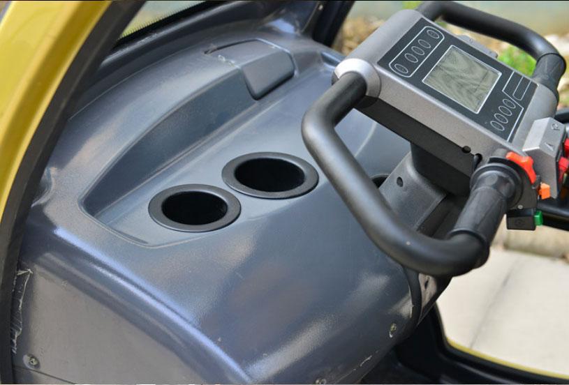 Xe điện 4 bánh kiểu dáng ô tô mini tiện lợi, phong cách thời trang TM061