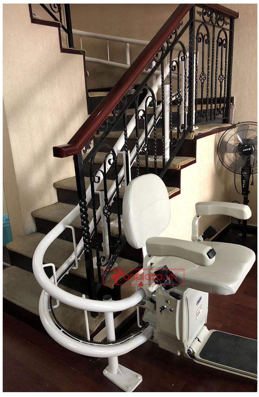 Hệ thống ghế leo thang uốn tự động hàng nhập khẩu cao cấp TM076