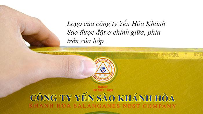 logo yến khánh hòa được đặt chính giữa ở phía trên của hộp