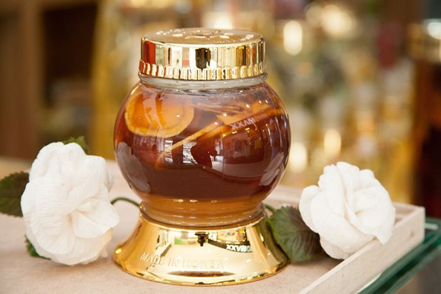 Sử dụng nhân sâm Hàn Quốc với mật ong là cách dùng tiện lợi bảo quản được lâu nhất