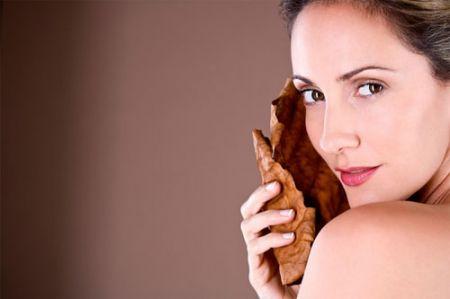 Nấm linh chi còn có tác dụng hồi phục làn da bị hư tổn, khiến làn da của bạn trở nên mịn màng